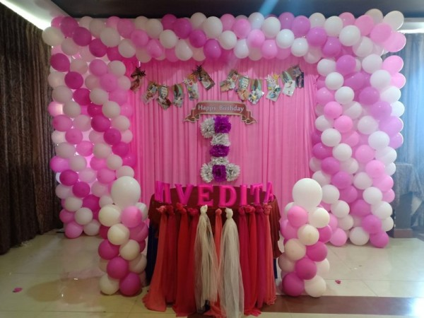 Best Square Frame Balloon Theme Decoration