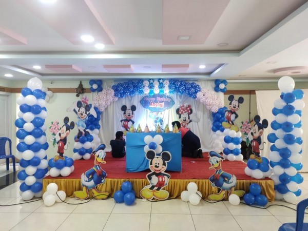 Charming Mickey Mouse Theme Decoration