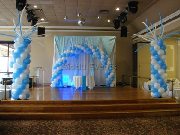 Unique Blue And White Decoration