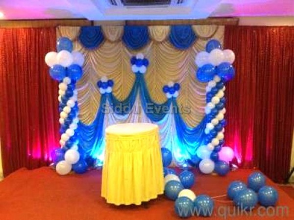 Simple Blue And White Theme Decoration