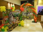 Elegant Jungle Theme Decoration