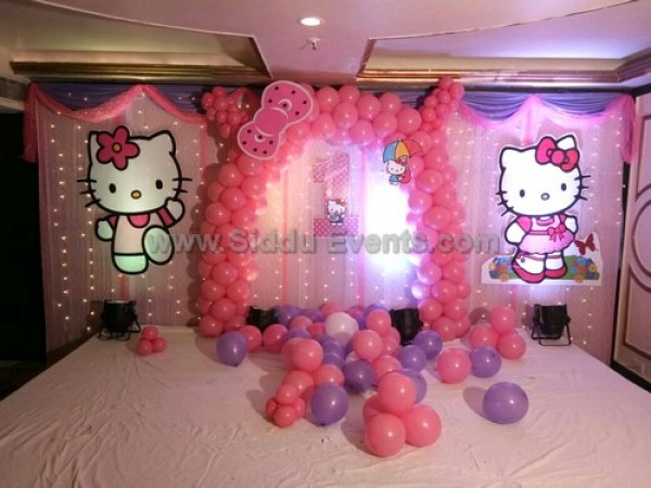 Elegant Hello Kitty Theme Decoration