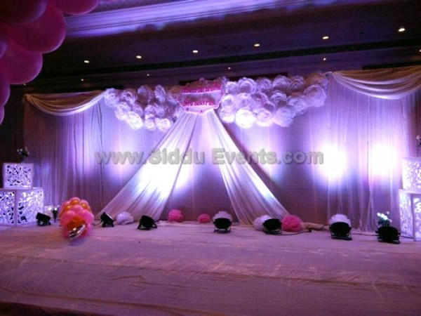 White Angle Theme Decoration