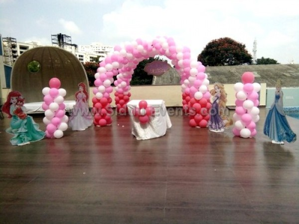 Princess With Double Arch Decoration