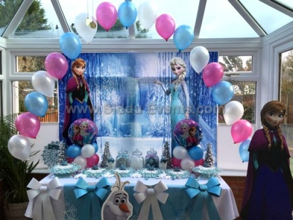 Frozen Theme With Heliuem Balloon Decoration