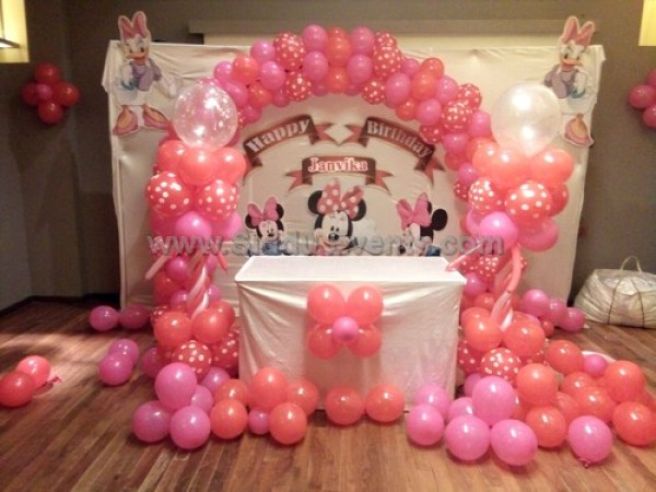 Arch And Minnie Mouse Decoration