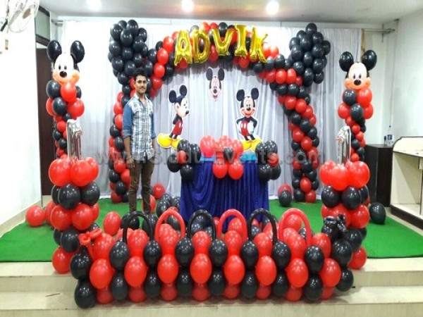Micky Mouse Arch Decoration