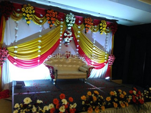 Basic Traditional Engagement Decoration