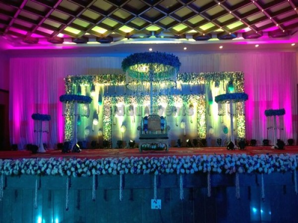 Grand Flower Decoration For Wedding